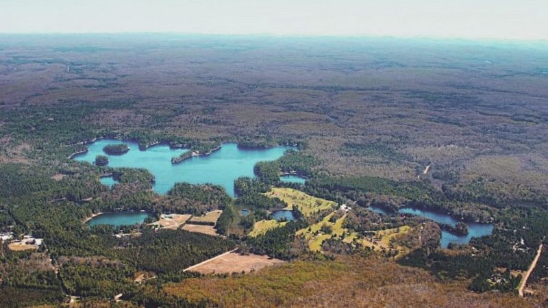 Brantingham_Lake_from_above-min